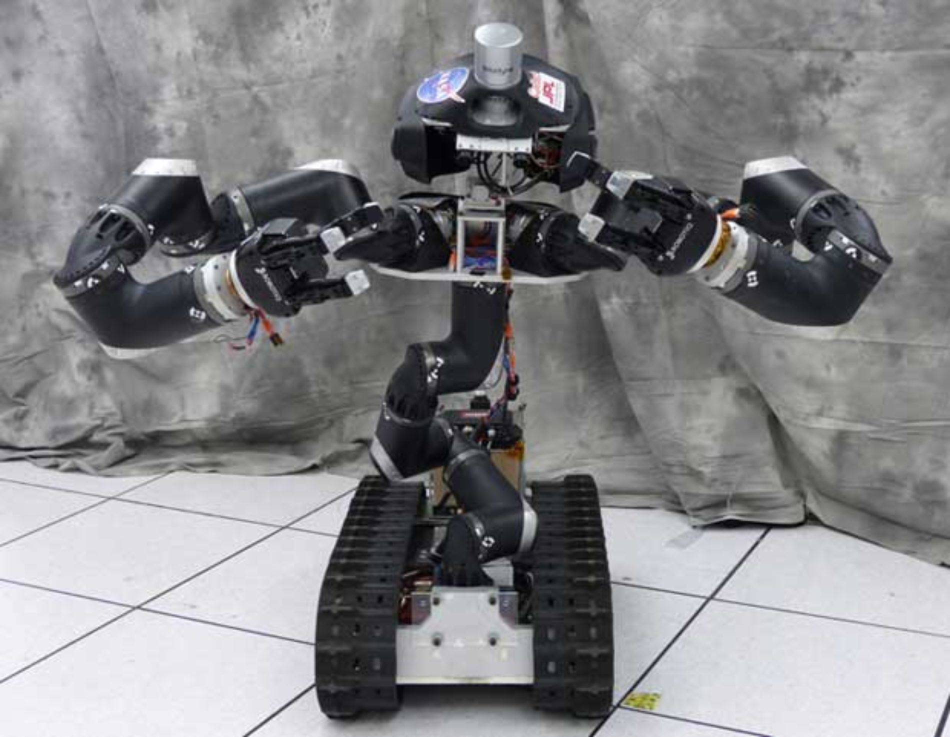 RoboSimian Beats Out Surrogate for JPL's DRC Finals Spot