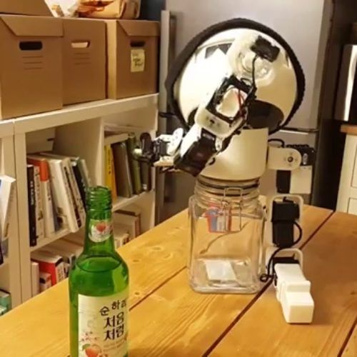 Robot as drinking buddy? No problem!
