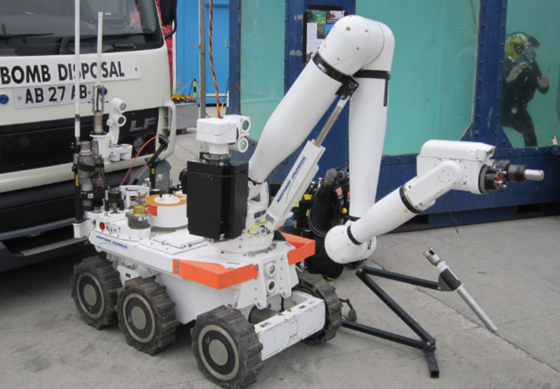 The Past and Future of Bomb Disposal Robots